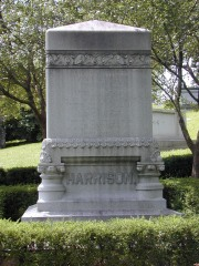 Benjamin Harrison's  grave at Crown Hill (right). [Click for a larger version]