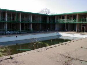The courtyard and swimming pool from the restaurant.