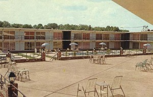 This mid-1960s postcard image from the Tupelo, MS Holiday Inn indicates what this area might have looked like in its prime. Note the exact same railings exist on this hotel as the ones in Gary, and the overall hotel follows a similar design, indicating they may have been built around the same time.